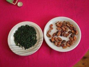 Spirulina und Kakaobohnen